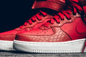 Nike-Red-Python-Air-Force-1-Mid-07LV8-001