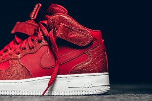 Nike-Red-Python-Air-Force-1-Mid-07LV8-003