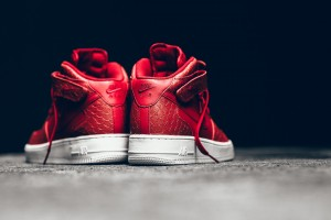Nike-Red-Python-Air-Force-1-Mid-07LV8-004