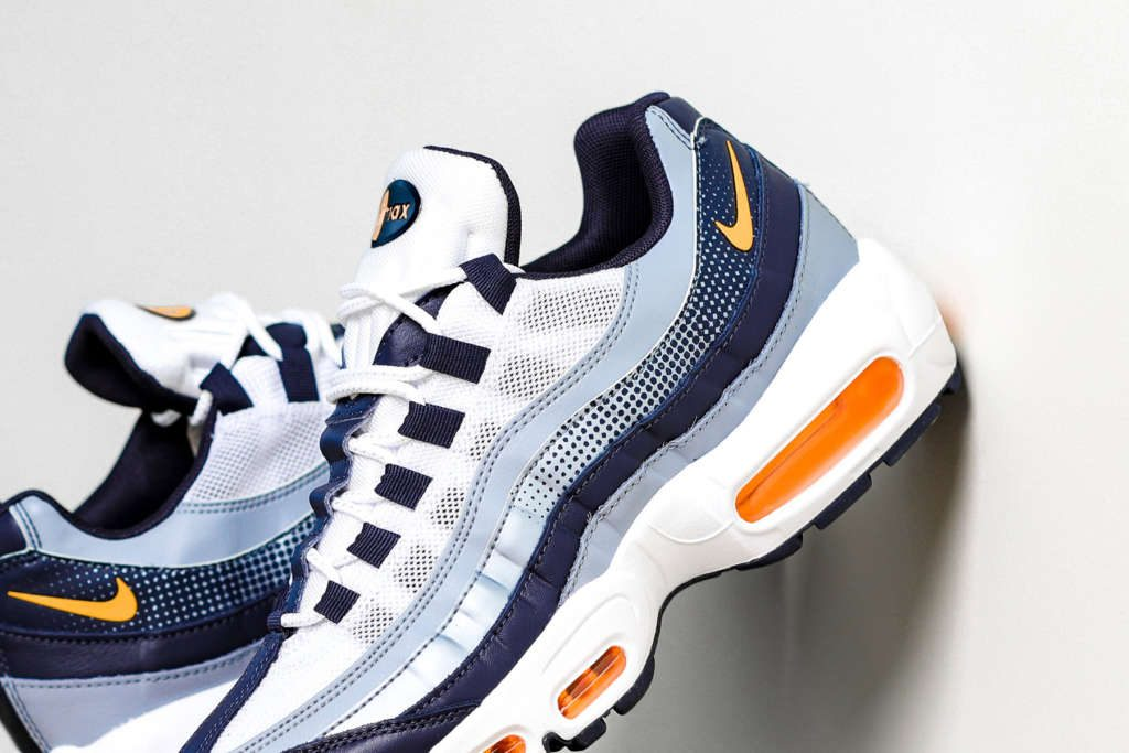 info for 3512a 69030 Fashion | Nike Air Max 95 SE in Midnight Navy / Laser Orange ...